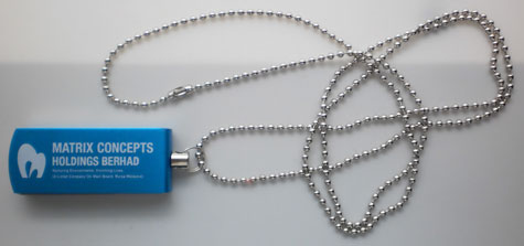 Chain ball lanyard for pen drive